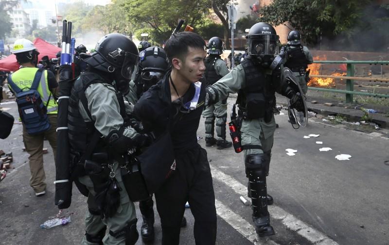 1名日本大學生今證實在理大附近被逮捕,人並未受傷。圖為示意圖,與當事人無關。(美聯社)