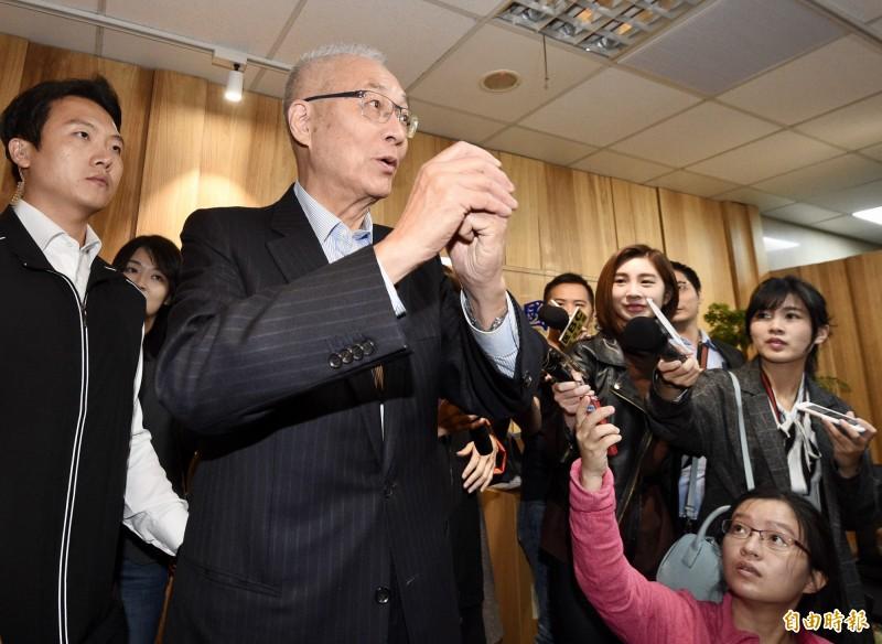 對於外傳拒接韓國瑜全國競選總部主委,國民黨主席吳敦義表示這是誤會,曾永權沒有告訴他,韓國瑜也沒有當面跟他說。(記者羅沛德攝)