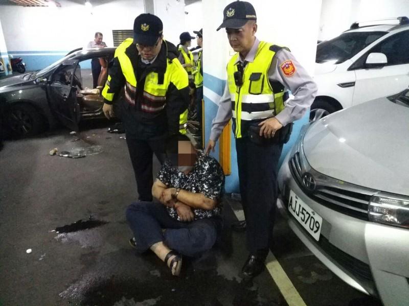 陳家輝去年持毒拒絕警方攔查,還駕車逃逸,最後員警連開4槍破窗逮人。(記者吳昇儒翻攝)