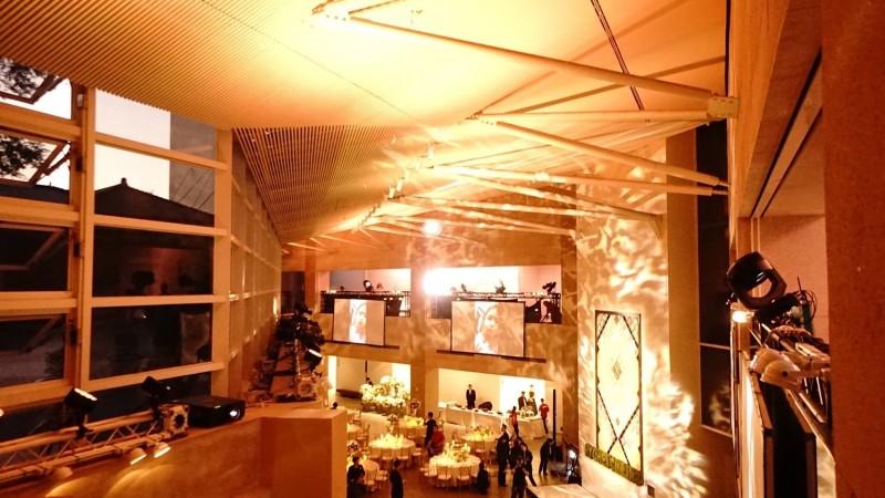 晶英酒店用光雕布置現場。(晶英酒店提供)