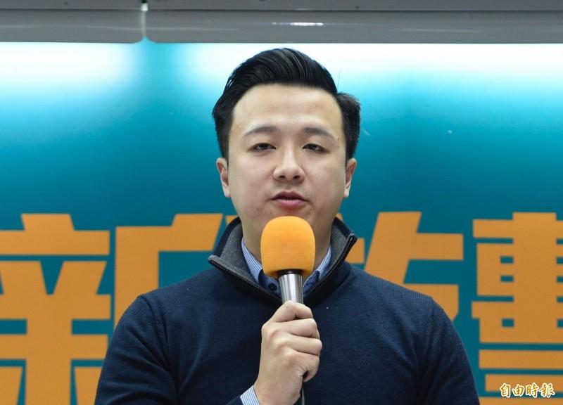 「黑韓」遭國民黨開除的草協聯盟發起人李正皓,明天將在親民黨主席宋楚瑜陪同下,登記參選新北市立委。(資料照)