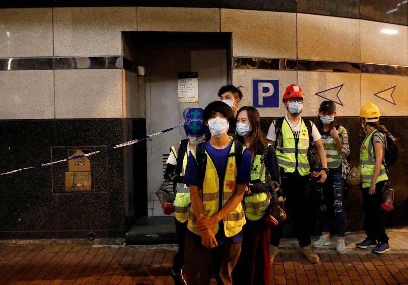 最後7名義務急救員已在昨晚從理大撤離。(美聯社)