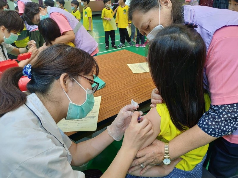 今年公費流感疫苗比晚年晚1個多月開打。(台中市衛生局提供)