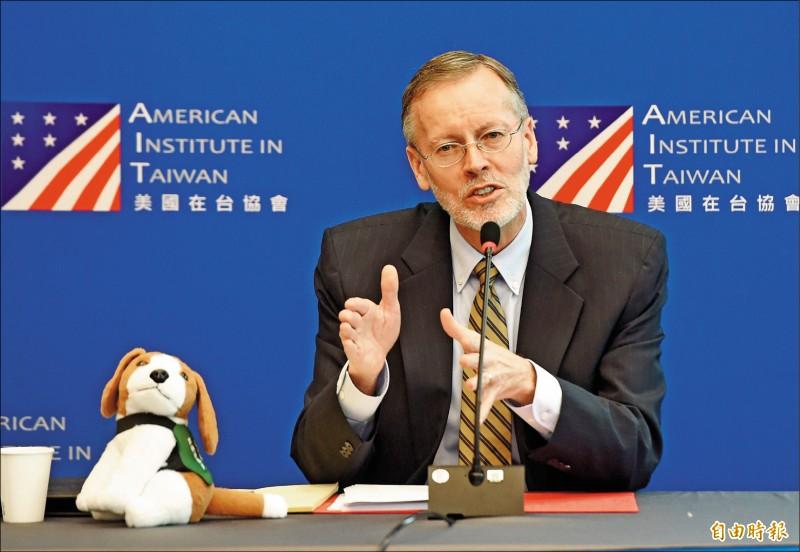美國在台協會處長酈英傑昨舉行媒體見面會,發表「四個增進」演說。(記者簡榮豐攝)