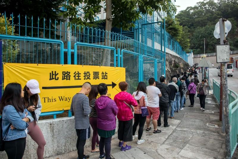 香港區選已逾150萬人投票!不到半日超越上屆總人數