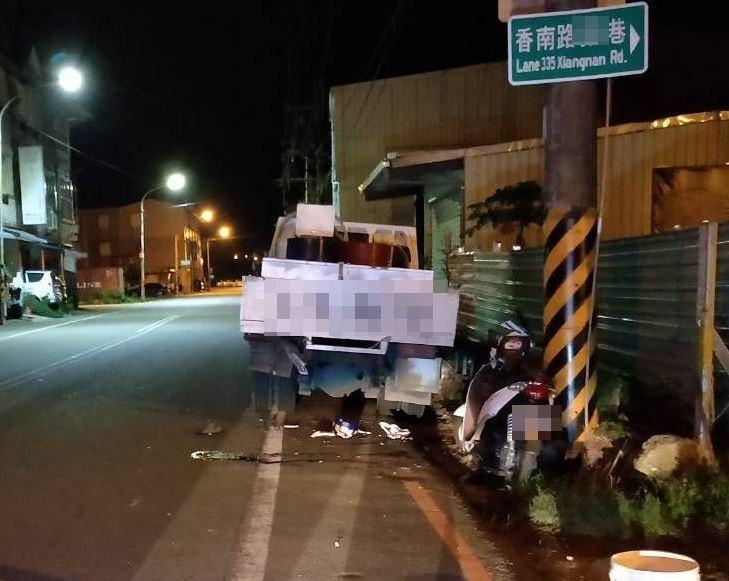 宜蘭縣冬山鄉18歲賴姓姊姊,昨晚騎機車載4歲弟弟出外買鹽酥雞,撞上路旁貨車雙雙不治。(記者江志雄翻攝)