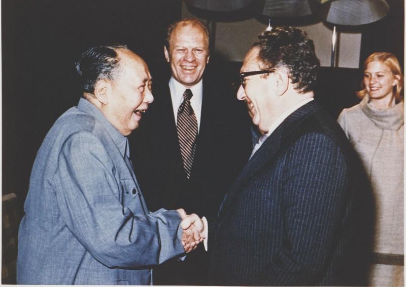 美國智庫「2049計畫研究所」執行主任石明凱近日以《上海公報》為發想,探討美國可比照1970年代的做法,反過來與台灣簽訂官方聯合公報,藉此來推動「美台關係正常化」。(法新社)