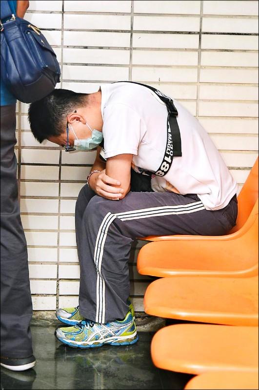 海軍承德艦士官長洪景政,涉嫌盜拷戰情室130件軍機,高雄高分檢依外患等罪提起公訴。(資料照)