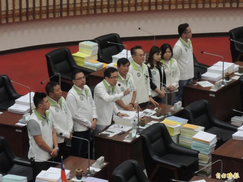 高市議會總質詢今結束,民進黨團嗆市長韓國瑜、逃得了一時、逃不了一世。(記者王榮祥攝)