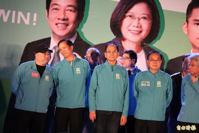 游錫堃表示,2020則是關鍵之戰,想到香港反送中和新疆等地區,如果民進黨贏得選舉台灣就能永續發展,輸的話就沒了。(記者周湘芸攝)