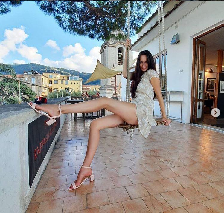 俄羅斯名模麗西娜(Ekaterina Lisina)身高205公分,還擁有一雙130公分的超長美腿。(圖擷取自「ekaterina_lisina15」IG)