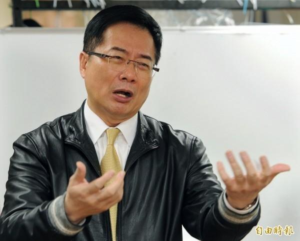 蔡正元在臉書PO文表示,「踐踏一個爲國家,付出一輩子青春的老兵,是很可惡的行爲」!(資料照)