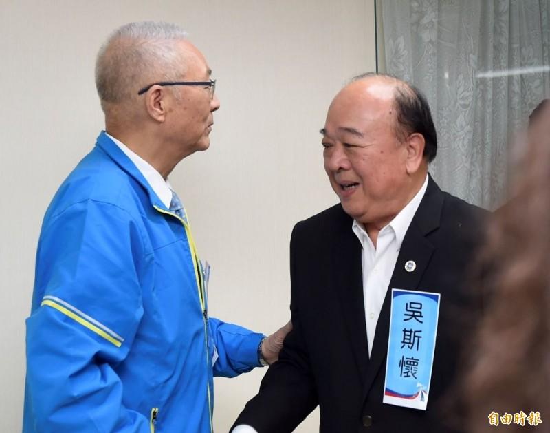 國民黨不分區立委提名人吳斯懷(右)及黨主席吳敦義。(資料照)