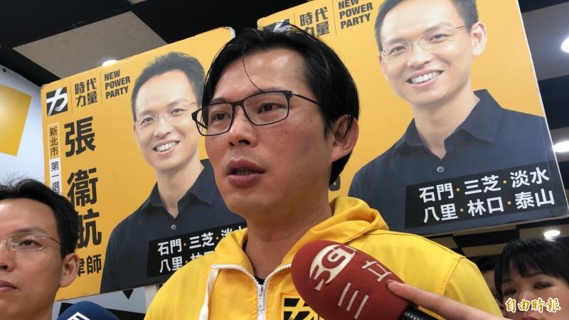 黃國昌今表示,韓國瑜針對民主政治的本質需要再重新思考一下。(記者周湘芸攝)