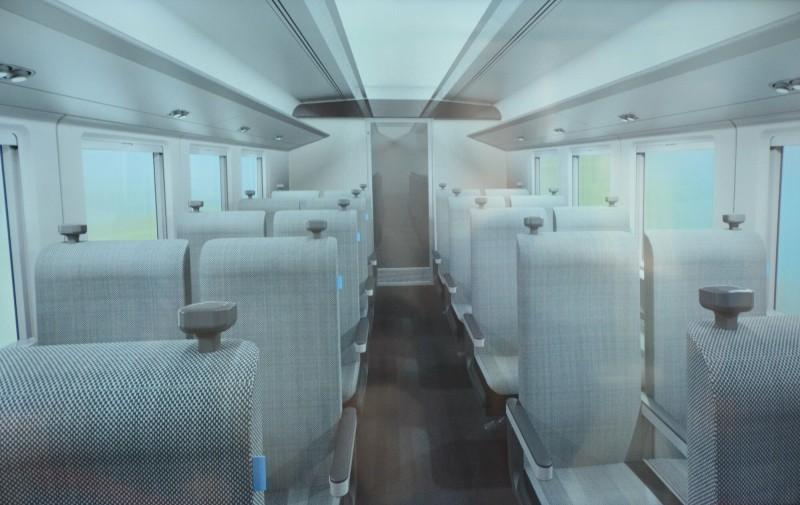台鐵新型城際車輛內裝將分一般座位及商務座位。(記者王峻祺翻攝)