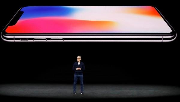 iPhone X已從蘋果官網下架。(路透)