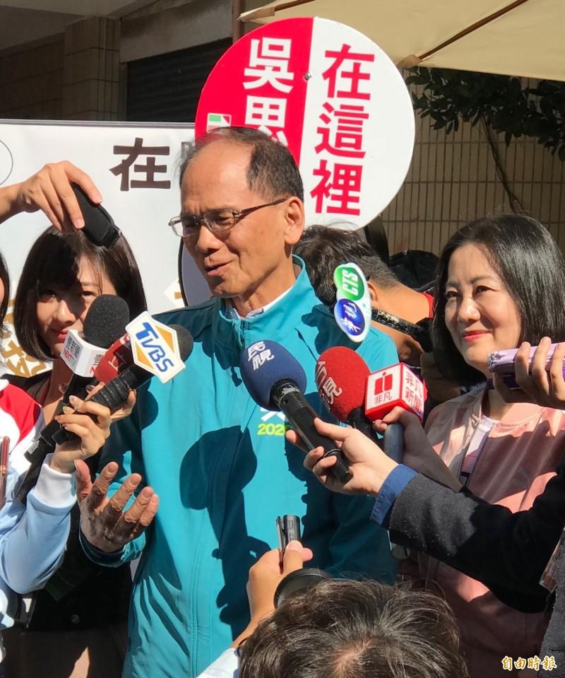 游錫堃今表示,下架吳斯懷不是民進黨怕他,而是台灣人民怕他。(記者蔡思培攝)