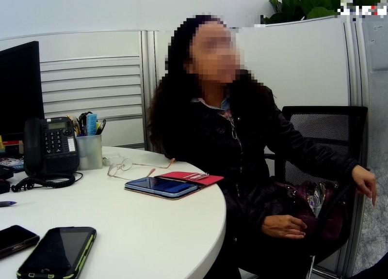 46歲洪女遇詐團、感謝員警及行員讓她看清對方詐騙手法。(記者楊政郡翻攝)