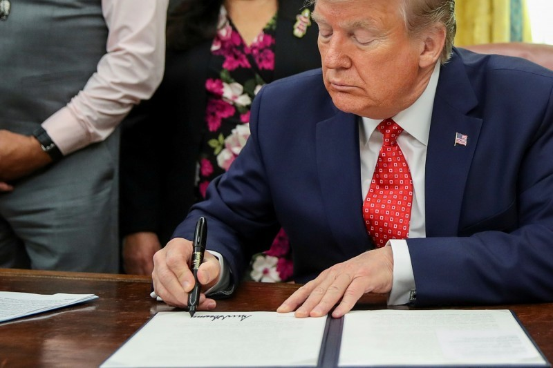 美國總統川普簽署香港人權與民主法案。(檔案照)