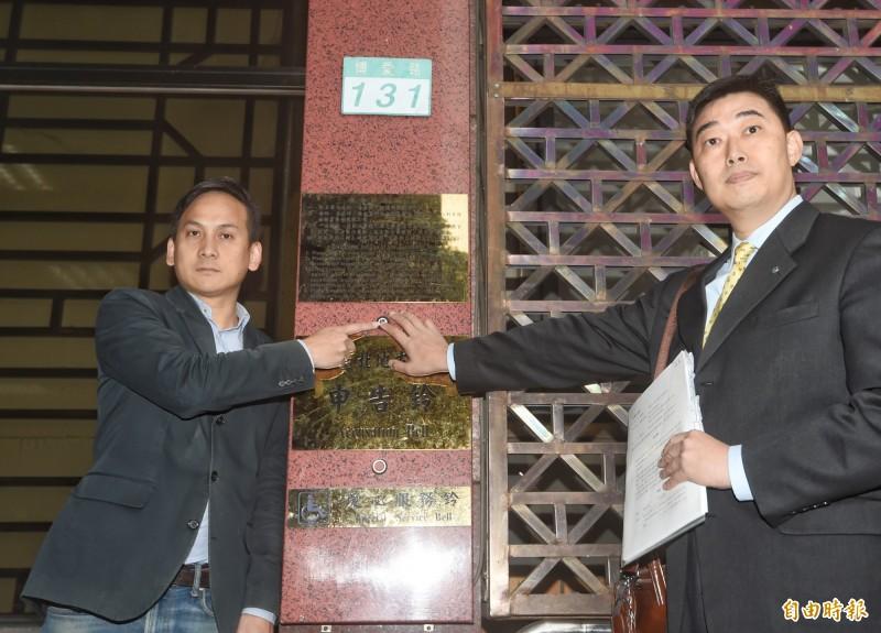 針對立委黃國昌指控,國民黨總統候選人韓國瑜辦公室2日委託律師對黃國昌提告。(記者方賓照攝)