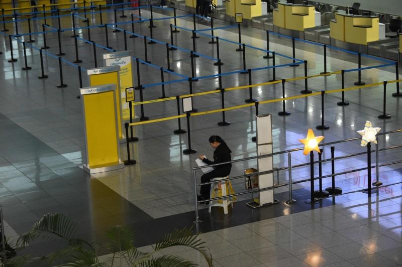馬尼拉主要機場的全部4個航廈罕見預防性關閉長達12小時。(法新社)