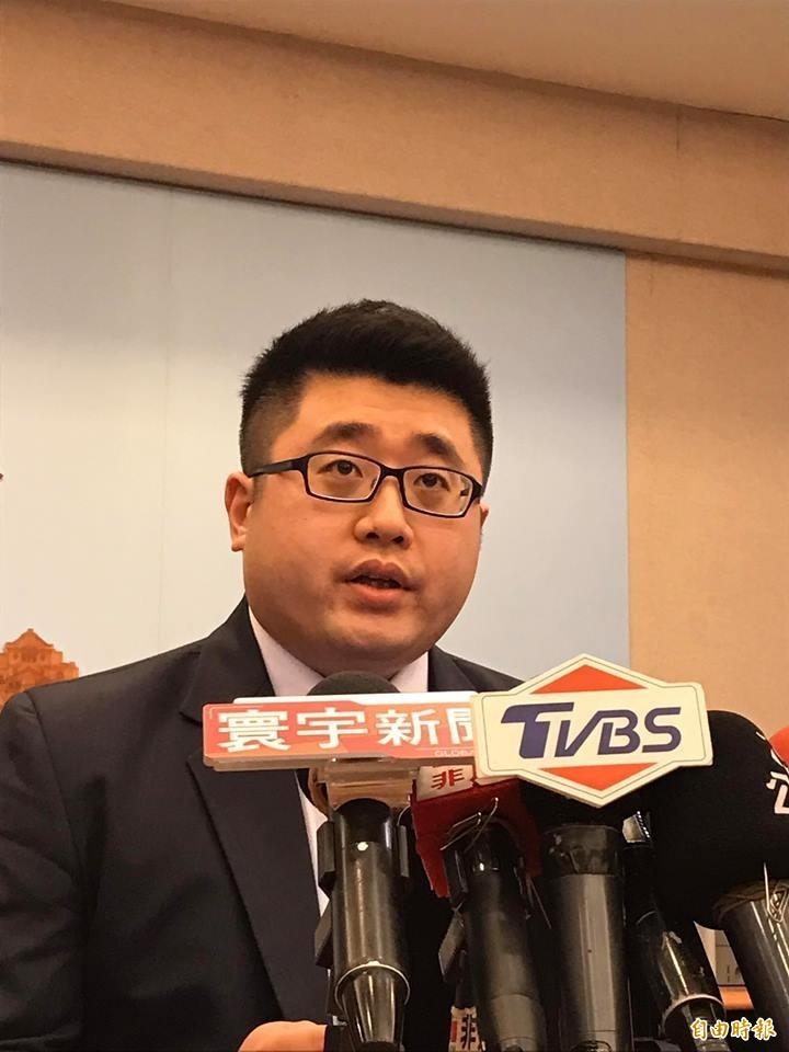 前總統府發言人、總統蔡英文競選辦公室副執行長林鶴明(見圖)透過臉書說,吳斯懷只要繼續在名單上,民調一定繼續探底,這才是韓國瑜的核心問題。(資料照)