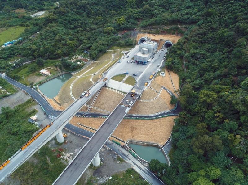 蘇花改將於1月初全線通車,圖為觀音隧道北口。(蘇花改工程處提供)