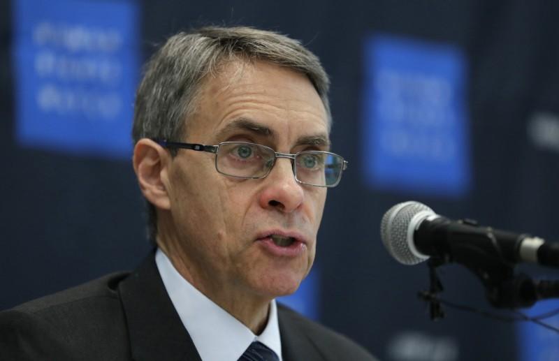 遭制裁的美NGO「人權觀察」執行長羅斯表示,與其針對NGO,「中國政府更應該尊重港民的選舉權利」。(美聯社)