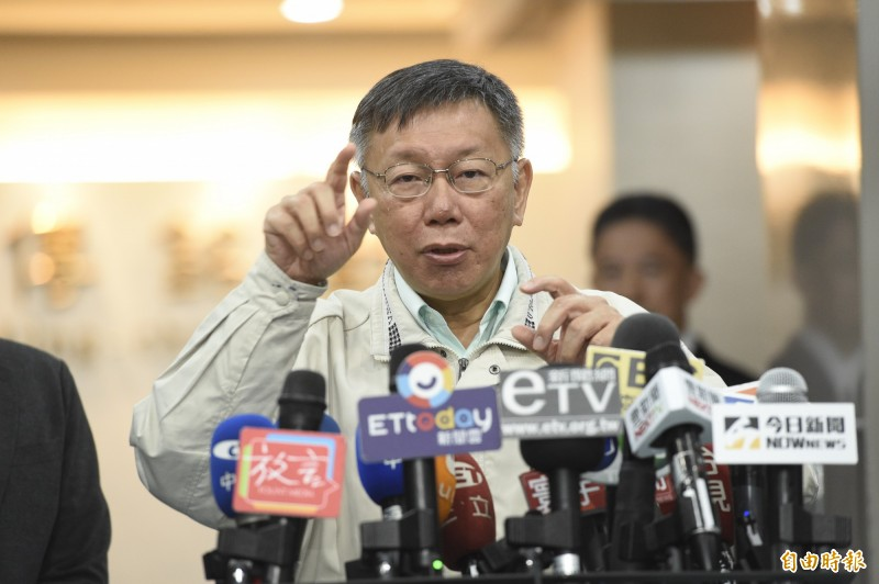 台北市長柯文哲今天上午在市府接受媒體訪問。(記者叢昌瑾攝)
