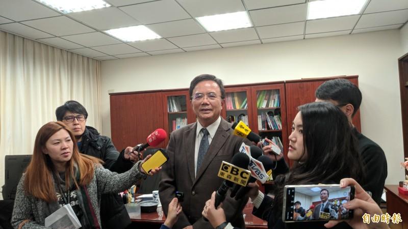 法務部政務次長蔡碧仲對於藍營指控「碧仲幫」,一頭霧水。(記者吳政峰攝)