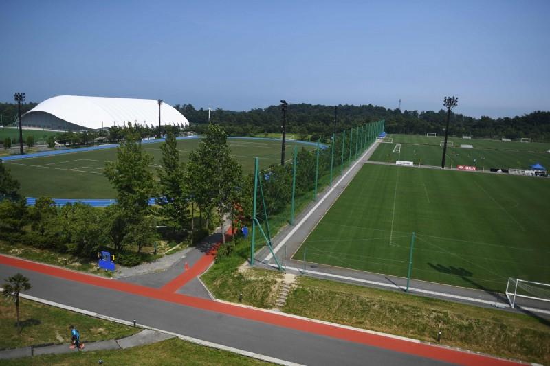 日本東京奧運聖火明年3月底從福島縣的足球國練中心「J-VILLAGE」出發。(法新社)