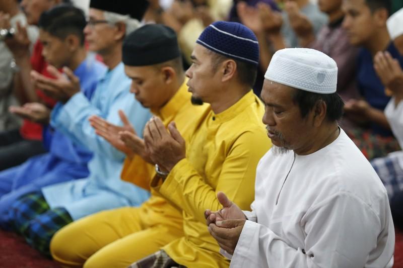 馬來西亞6名穆斯林男子因跳過週五的聚禮,違反伊斯蘭教法,遭判入獄1個月。示意圖,與本新聞無關。(美聯社)