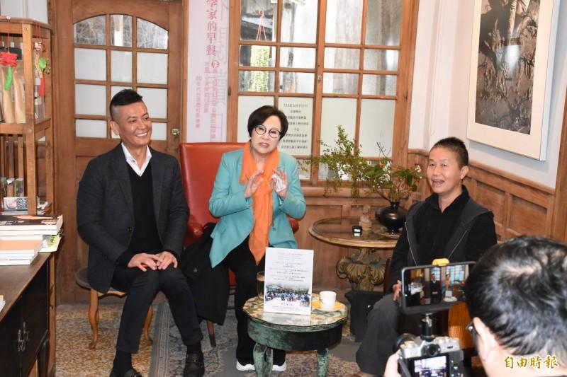 親民黨副總統候選人余湘(中)與雲林民眾座談參選理念。(記者林國賢攝)