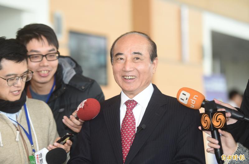 前立法院長王金平5日出席臺灣醫療科技展,接受媒體聯訪。(記者簡榮豐攝)