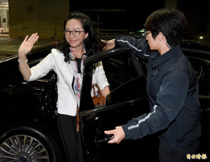 網友發現李佳芬11月20日的公開行程,手上抱著1只棕色包包。(資料照)