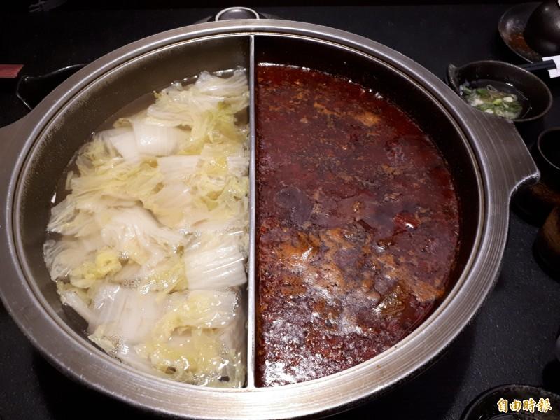 新竹市關新路老東家重慶麻辣鍋,有最道地的麻辣鍋,也可搭配酸菜白肉鍋,讓大人小孩可共鍋用餐,而麻辣鍋是麻而不燥,辣而不嗆,吃完絕不會拉肚子。(記者洪美秀攝)