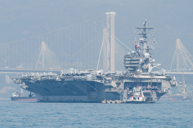 美參議員建議,未來可讓軍艦停靠台灣。(法新社)
