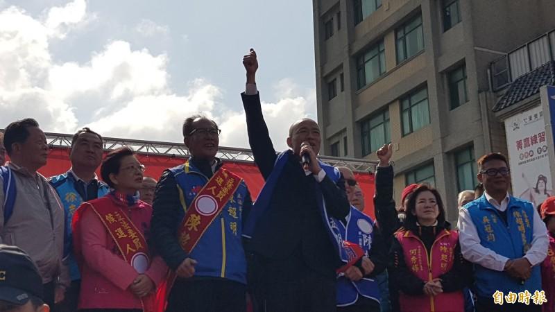 韓國瑜出席與苗栗縣第一選區立委候選人陳超明的聯合競總成立大會。(記者彭健禮攝)