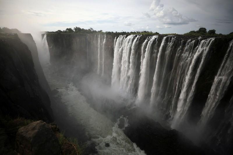 維多利亞瀑布是世界三大瀑布之一,更被聯合國列為世界自然遺產。(路透社)