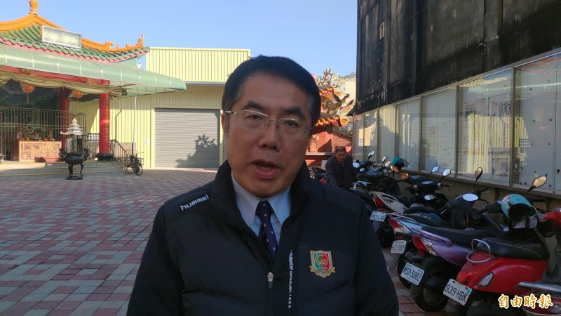 黃偉哲表示,國民黨立委以為檢到槍,結果卻踩到地雷,做秀做過頭,可說得不償失。(記者蔡文居攝)