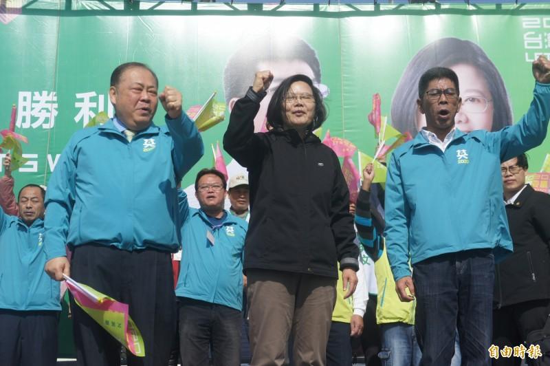 蔡英文總統呼籲支持者票票入匭,連任捍衛台灣主權。(記者劉禹慶攝)
