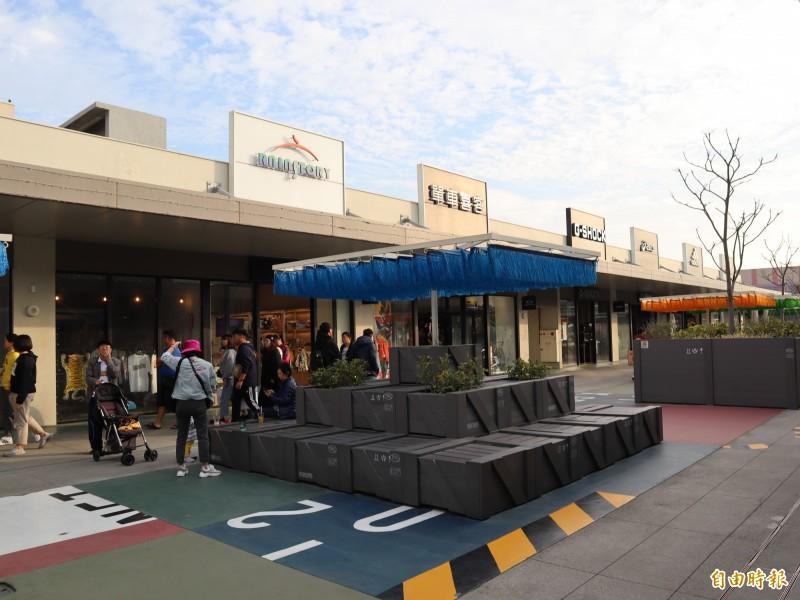 台中港三井OUTLET開幕一年,創下800萬人次及50億元的驚人業績。(記者歐素美攝)