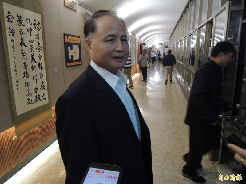 高市毒防局長阮清陽對於毒防基金會欠薪一事,表示「有聽說」。(記者王榮祥攝)