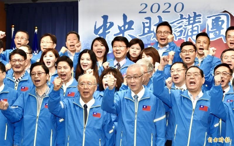 有知情人士透露,藍營高層默許國民黨副秘書長蔡正元下令替陳宜民背書,卻和國民黨總統候選人韓國瑜陣營想法不同,爆出路線之爭。(資料照)