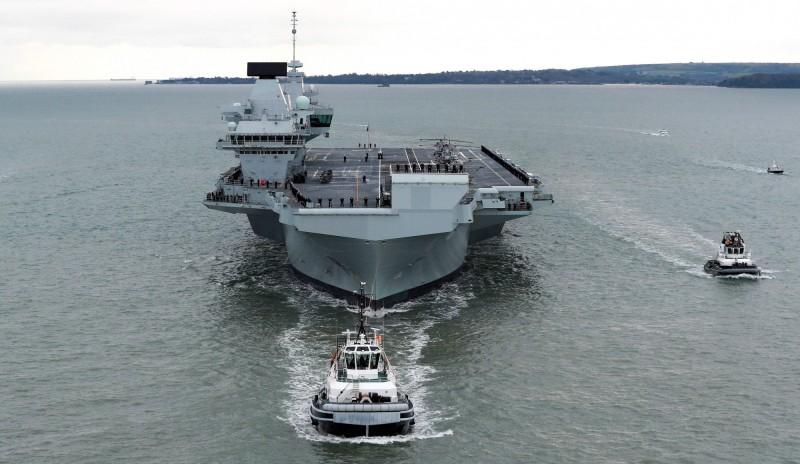 英國皇家海軍斥資31億英鎊(約新台幣1243.5億)打造的新型航空母艦今日正式服役。(法新社)