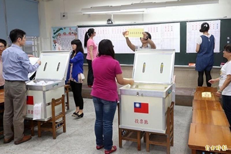 第15任總統副總統及第10屆立委選舉,台中市首投族約4萬餘人。(資料照)