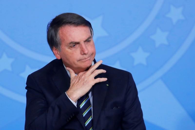 極右派巴西總統波索納洛對童貝里的譴責嗤之以鼻,還稱她是「屁孩」。(路透)