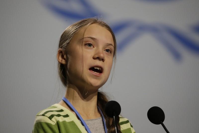 瑞典環保少女桑柏格(Greta Thunberg)今(11)日在聯合國氣候變遷大會(COP25)發言,再次痛批政商業領袖只顧作秀、行銷自己,而非更積極對抗氣候變遷。(美聯社)