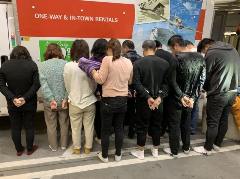 這11名中國偷渡客被逮,將面臨刑事指控。(美國海關及邊境保衛局)