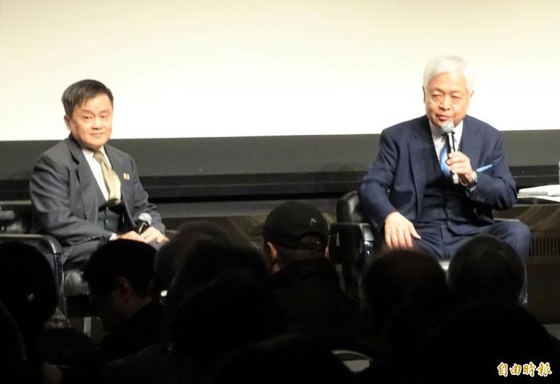 日本國際問題專家藤井嚴喜(右)和旅日台灣問題評論家林建良(左)將在14日舉辦的台日保守派國際論壇上登場,圖為兩人日前在日本舉辦的台灣問題研討會上同台。(記者林翠儀攝)